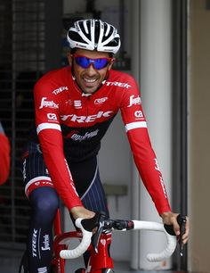 Alberto Contador Training on the Yas Marina Circuit ahead of the Abu Dhabi Tour ©Bettiniphoto Cycling Wear, Pro Cycling, Bicycle Race, Sports Figures, Bicycle Accessories, Abu Dhabi, Road Bike, Ducati, Trek