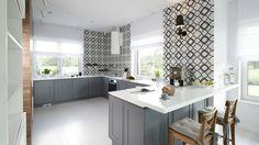 Gray kitchen: interiors from Polish homes – Gallery – Dobrzemieszkaj. Grey Kitchen Interior, Interior S, Kitchen Island, Kitchen Cabinets, Indoor Garden, Teak, Modern, Table, Furniture