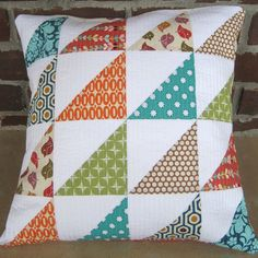 Cute Pillow Animal - - Colorful Pillow For Grey Couch - Pillow Illustration Icon - Patchwork Cushion, Quilted Pillow, Patchwork Quilting, Colchas Quilt, Quilt Blocks, Quilts, Fall Pillows, Diy Pillows, Crochet Blanket Patterns