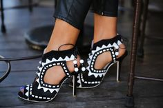 Sophia Webster #heels #blackandwhite #sophiawebster