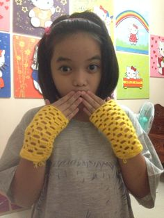 Simple hand gloves