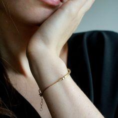 Gold bar bracelet Minimalist jewelry minimal gold by Minkykitten Dainty Bracelets, Dainty Jewelry, Jewelry Tattoo, Thing 1, Brass Jewelry, Picture Design, Minimalist Jewelry, Solid Brass, Oc