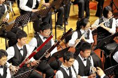My latest blog post about introducing young children to the Woodwind family of Orchestra instruments. The BASSOON is just too fun! http://magicalmovementcompany.blogspot.com/2015/03/music-orchestra-for-little-kids.html