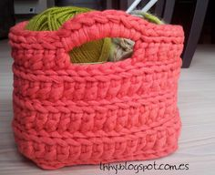 bonita Home Trends latest design trends in homes Crochet Handbags, Crochet Purses, Crochet Home, Knit Crochet, Crochet Chart, Crochet Patterns, Caron Yarn, Cotton Cord, T Shirt Yarn