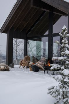 Mountain Home Interiors, Cabin Interiors, Snow Cabin, Winter Cabin, Mountain Cottage, House In Nature, Weekend House, Cabin Kitchens, Mountain Modern