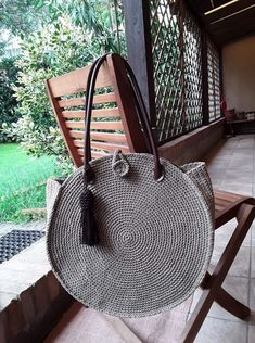 Marvelous Crochet A Shell Stitch Purse Bag Ideas. Wonderful Crochet A Shell Stitch Purse Bag Ideas. Handmade Handbags, Handmade Bags, Yarn Bag, Crochet Shell Stitch, Round Bag, Macrame Bag, Crochet Handbags, Purse Patterns, Knitted Bags