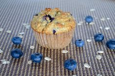 Every flavorful bite is bursting with blueberries in this recipe for healthy blueberry oat muffins. Absolute goodness in every morsel. Blueberry Oat Muffins, Oatmeal Muffins, Blue Berry Muffins, Blueberries Muffins, Donut Muffins, Bran Muffins, Muffin Recipes, Brunch Recipes, Baking Recipes