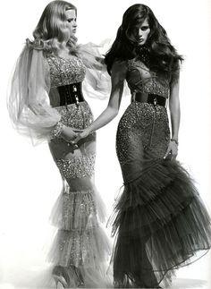 walkingthruafog:  Glam in duo