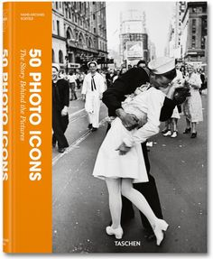 One of the most iconic photos in history taken on Victory over Japan Day, the Alfred Eisenstaedt Kissing on VJ Day in Times Square Wall Art is perfect for adding a touch of history to your wall. The picture shows a sailor kissing a nurse in Times Square. Times Square, Top Photos, Robert Doisneau, Iconic Photos, Famous Photos, Legendary Pictures, Amazing Photos, Famous Portraits, Famous Artwork