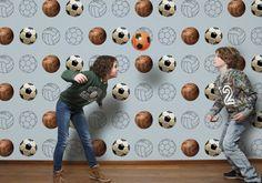 Stoer voetbalbehang in blauw, groen en wit | Great football wallpaper | Designed by Tinkle&Cherry | €49,95 | www.tinklecherry.nl