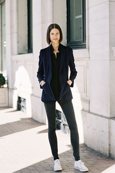 #streetstyle #modeloffduty structured and simple jacket and blazer with jeans