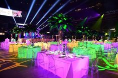 'What an awesome looking party for a 50th wedding anniversary! #superdome #nola #mardigras #eventplanner #eventdecor #events #eventplanning #eventplanners #design #eventprofs #weddingdecor #weddinganniversary #feathers #feathercenterpieces' by @fancy_faces_decor. What do you think about this one? @myeventgirls_agency @redblissdesign @eventvines @dappereventdesign @cccartagenaco @imaginative_events1 @lvhospitality @1540productions @hautephotography @tigriseventsinc @pdvspecialevents @itsepoch…