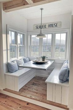 I love this kitchen nook with windows. Such a pretty interior design . I love this kitchen nook with windows. Such a pretty interior design … I love this kitchen nook with windows. Such a pretty interior design Minimalist Home Interior, Home Interior Design, Kitchen Interior, Dream House Interior, Interior Ideas, Beautiful Houses Interior, Home Decor Kitchen, Farm House Kitchen Ideas, Modern Interior
