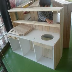 Tool Bench, Train Table, Play Kitchens, Wooden Diy, Wood Work, Play Houses, Diy For Kids, Diy Gifts, Woodworking