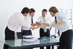 Lecciones y actividades de cooperación para el trabajo en equipo y la comunicación | eHow en Español
