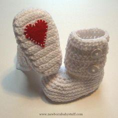 Crochet Baby Booties Crochet boots with felt appliqué patches...