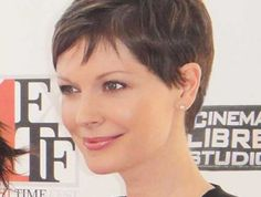 Once a woman has a pixie hairstyle it is really hard to let go of the comfort of the pixie cut. We totally get it because pixie is trendy, adorable and effortlessly chic. Now let's view these gorgeous pixie ideas… Continue Reading → Pixie Haircut Fine Hair, Pixie Cut Blond, Haircuts For Fine Hair, Short Pixie Haircuts, Hairstyles Haircuts, Hair Styles 2016, Short Hair Styles, Brünetter Pixie, Pixie Cuts