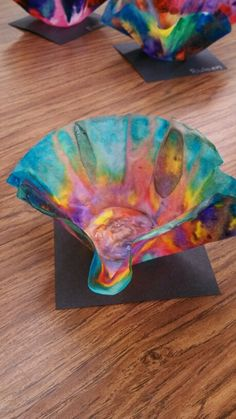Art project based on glass artist Dale Chihuly
