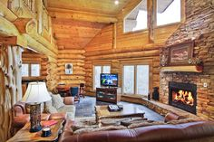 Aiden's Escape - This large cabin has plenty of space with a cozy atmosphere. You will enjoy relaxing in front of the warm fireplace! http://www.stonybrooklodging.com/gatlinburg-cabins-chalets/68-aidens-escape/