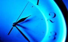 Rimedi naturali contro l'insonnia:   1. eliminare caffeina e alcol;  2. Mangiare al giusto orario, almeno due ore prima di coricarsi; 3. Triptofano e 5-HTP;  4. Melatonina;  5. Valeriana;  6. Regolarità;  7. Attività fisica di giorno;  8. NO a tablet, smartphone e altri dispositivi a luce blu almeno due ore prima di coricarsi;  9. Rilassamento;   Per saperne di più >>> http://www.beautyerelax.com/relax/697-insonnia-rimedi-naturali-efficaci-per-dormire-prendere-sonno.html