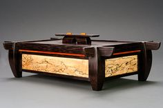Decorative Boxes : Wooden keepsake box -Read More – Small Wooden Boxes, Wooden Jewelry Boxes, Small Boxes, Wood Boxes, Woodworking Box, Woodworking Furniture, Wood Furniture, Woodworking Projects, Woodworking Machinery