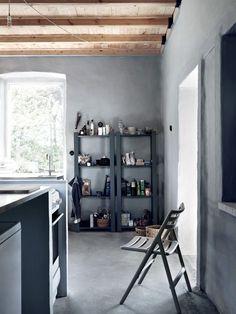 Swedish Minimalist Summer House in Gray - emmas designblogg