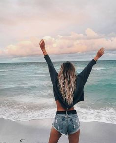 Summer Pictures, Beach Pictures, Summer Photography, Photography Poses, Blonde Plage, Foto Top, Poses Photo, Fotos Goals, Fashion Mode