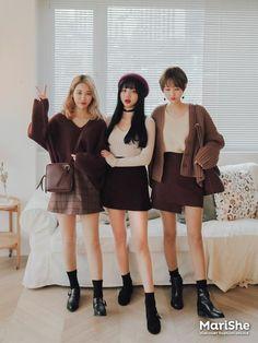 Korean Fashion – How to Dress up Korean Style – Designer Fashion Tips Cute Fashion, 90s Fashion, Daily Fashion, Girl Fashion, Fashion Outfits, Womens Fashion, Fashion Trends, Korean Winter Outfits, Korean Outfits