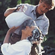 Out of Africa - Robert Redford and Meryl Streep (Sydney Pollack, Robert Redford, Meryl Streep, Hollywood Stars, Classic Hollywood, Movie Stars, Movie Tv, I Look To You, Viejo Hollywood, Karen Blixen