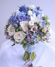 145 popular bridal bouquet shapes & styles page 19 Prom Flowers, Bridal Flowers, Flower Bouquet Wedding, Floral Wedding, Wedding Colors, Beautiful Flowers, Bride Bouquets, Floral Bouquets, Beautiful Flower Arrangements