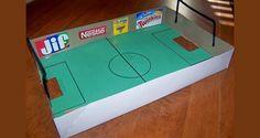 Dit is een erg eenvoudige knutsel om te doen en als het klaar is, dan heb je een geweldig leuk spel gemaakt, het blaas voetbaltafel spel.