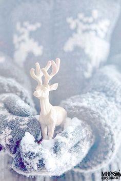 Blue Christmas… Giving Hands, Deer Blue Christmas, Christmas Colors, Winter Christmas, All Things Christmas, Christmas Holidays, Christmas Decorations, Christmas Ideas, Christmas Fashion, Country Christmas