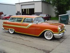 1955 Pontiac Safari ... believe it or not, we can make mats for this beautiful machine.
