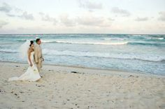 beautifulbeachbrides.com for the bests tips to a wonderful Beach wedding
