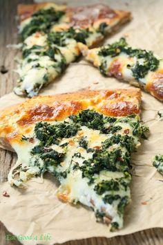 I love white pizzas. Roasted Garlic Spinach White Pizza