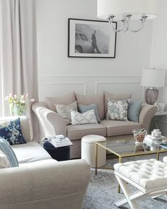 Światło dziś idealneU Was też??  Dzień dobry!!  #livingroom #myhome #hamptonsstyle #hamptons #classicinteriors #classicstyle #americanstyle #interiordesign #intetior #decorations #pillows #hamptonsandmore #hamptonsandmoreco #onlineshop