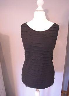 Kaufe meinen Artikel bei #Kleiderkreisel http://www.kleiderkreisel.de/damenmode/kurzarmlig/136714800-schwarzes-top-mit-wallenden-stofflagen