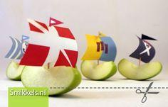 Traktatie appel bootjes | met gratis print voorbeeld | Healthy ships treat with free printable | Smikkels.nl