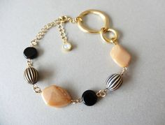 French beads + Swarovski crystal bracelet ~black,beige,gold~|ブレスレット・バングル|rue|ハンドメイド通販・販売のCreema