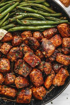 Garlic butter pork bites with lemon green beans – Super flavorful and so easy to throw together! Tender pan-seared pork bites with crispy edges are cooked to perfection in a delicious garlic butter…