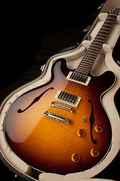 Collings I-35 LC | Handmade Instruments from Austin, TX