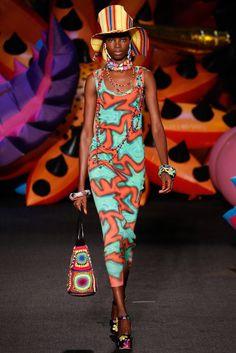 Moschino Resort 2017 Fashion Show - Maria Borges
