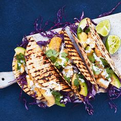 Crispy Fish Tacos With Avocado 21 Day Meal Plan, Meal Prep For The Week, Healthy Family Dinners, Family Meals, Weeknight Dinners, Easy Dinners, Avocado Recipes, Fish Recipes, Family Meal Planning