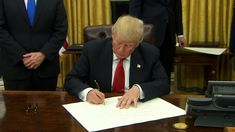 Trump issues executive order to start rolling back Obamacare - CNNPolitics.com