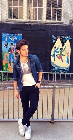 Gianluca in New Jersey..checking out the city! ⭐️IL VOLO⭐️