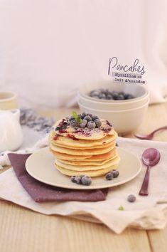 Almond milk & blueberry pancakes / Pancakes myrtilles et lait d'amandes