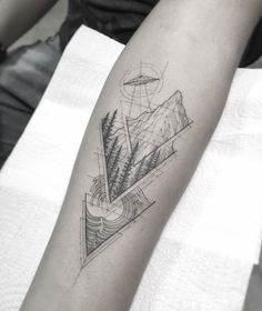Abduction and waves. Black Ink Tattoos, Dope Tattoos, Body Art Tattoos, Small Tattoos, Sleeve Tattoos, Tattoos For Guys, Tattoo Set, Arm Band Tattoo, Geometric Mountain Tattoo