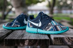 WOMENS NIKE ROSHE RUN TRIBAL. How cute are these for working out!?