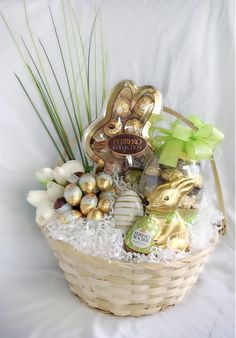 New Totally Free Ferrero Rocher Easter hamper /Raffle prize, Easter gift basket Ideas Holders are preferred for ornamental applications as well as can be utilized functionally for regula Homemade Easter Baskets, Easter Gift Baskets, Christmas Gift Baskets, Easter Hampers, Easter Basket Ideas, Basket Gift, Easter Gift For Adults, Easter Presents, Hoppy Easter