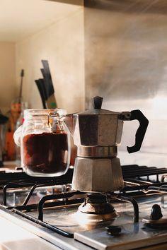 Cómo limpiar tu cafetera  #truco #consejo #limpiar #hogar #cafetera #café  www.hogardiez.com